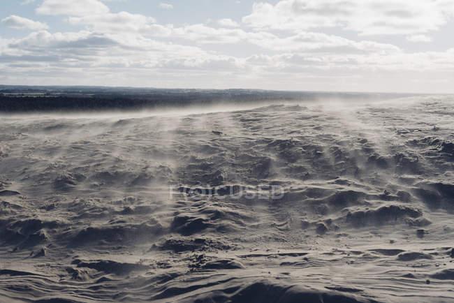 Dänemark, Nordjütland, Sandverwehungen in Wanderdüne am Leuchtturm rubjerg knude — Stockfoto