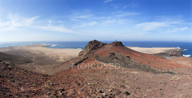Spain, Canary Islands, Fuerteventura, Jandia, View from Las Talahijas to El Puertito de la Cruz and Punta Pesebre — стоковое фото
