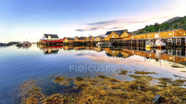 Norwegen, lofoten, tindshamna am Abend — Stockfoto