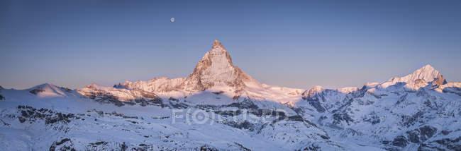 View to Matterhorn at sunrise, panorama, Pennine Alps, Zermatt, Switzerland — Stock Photo