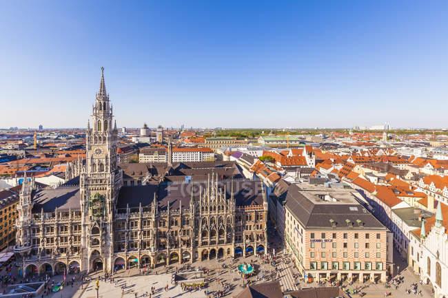 Germania, Baviera, Monaco di Baviera, aerea paesaggio urbano del centro storico con la Marienplatz — Foto stock