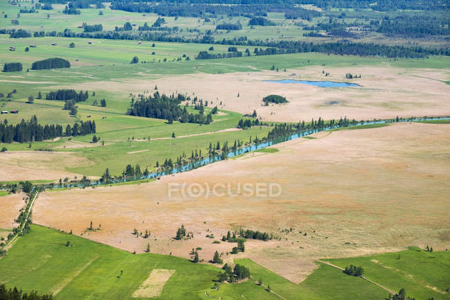 Germany, Bavaria, Upper Bavaria, Kochel, Loisach-Kochelsee-Moor with Loisach river — стоковое фото