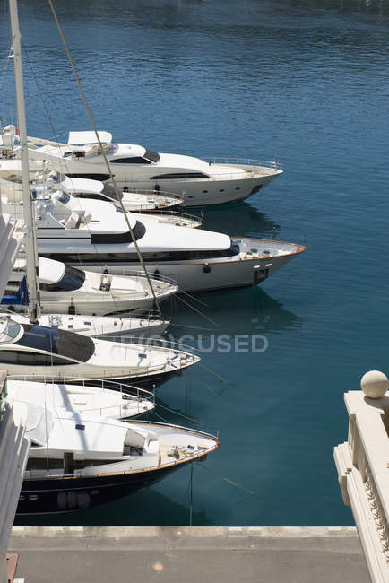 Monaco, Monte Carlo, Marina with anchored yachts — Stock Photo
