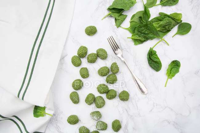 Homemade spinach gnocchi — Stock Photo