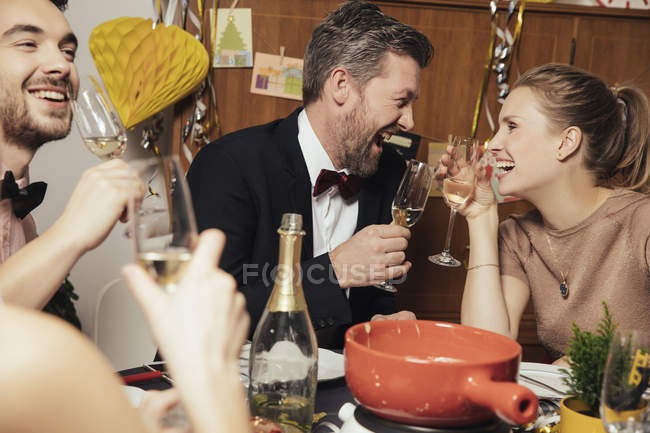 Couple having fun at New Year's Eve party — Stock Photo