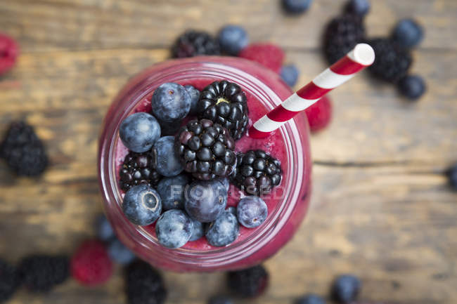 Glass of blueberry blackberry smoothie — Stock Photo