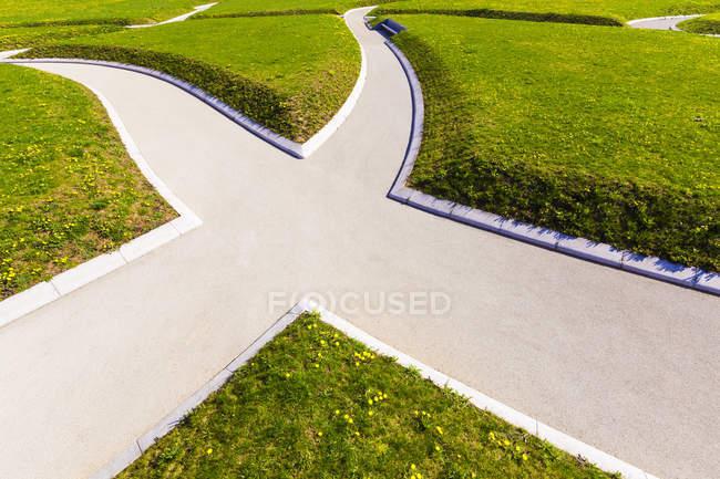 Німеччина, Штутгарт, шлях у парку, розлука з шляхів — стокове фото