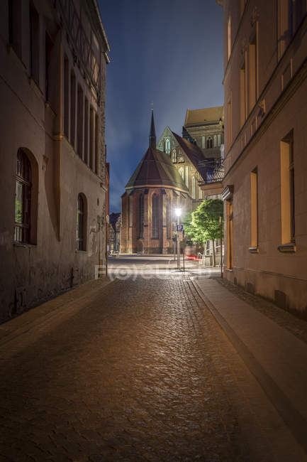 Germany, Brandenburg, Perleberg, Church in the historic old town at night — Stock Photo