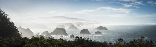 Formations rocheuses USA, Californie, à la route 1 — Photo de stock