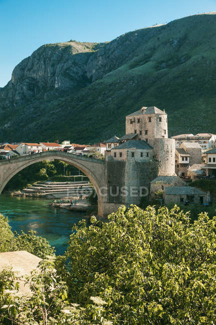 Bosnia and Herzegovina, Mostar, Old town, Old bridge and Neretva river — Stock Photo