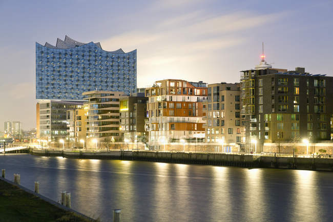 Grasbrook Harbour with Elbe Philharmonic Hall in the evening, Hamburg, Germany — Stock Photo