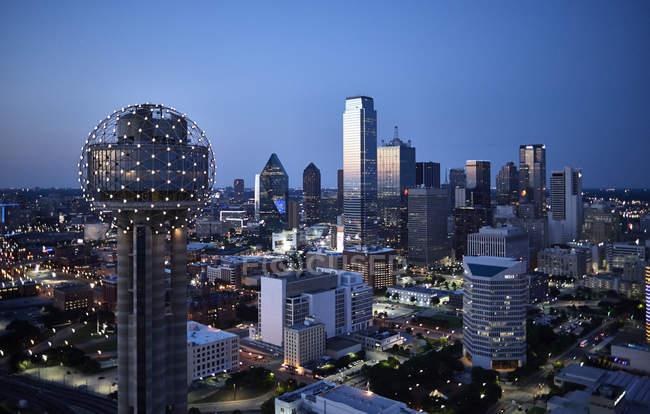 Fotografia aerea di Stati Uniti, Texas, sullo skyline di Dallas in prima serata — Foto stock