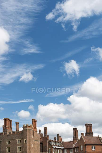 Regno Unito, Londra, vista su parte di Hampton Court Palace — Foto stock