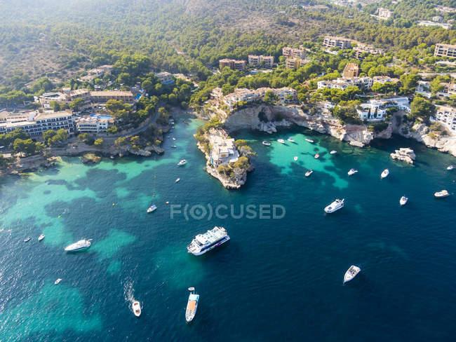 Spagna, Maiorca, Veduta aerea della baia di Fornells durante il giorno — Foto stock