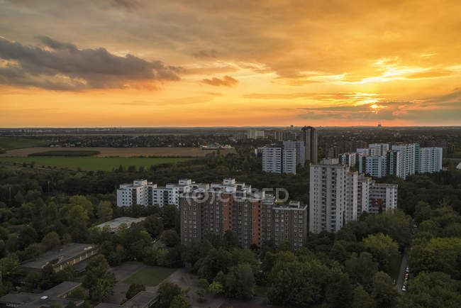 Germany, Berlin, Gropiusstadt district at sunset — Stock Photo