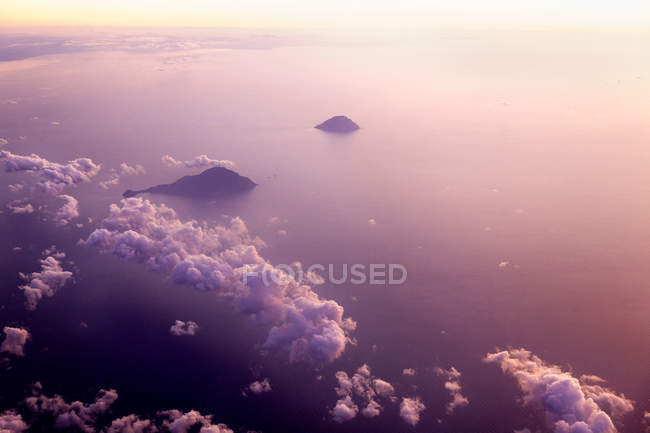 Itália, Sicília, vista aérea da nuvem e do mar — Fotografia de Stock
