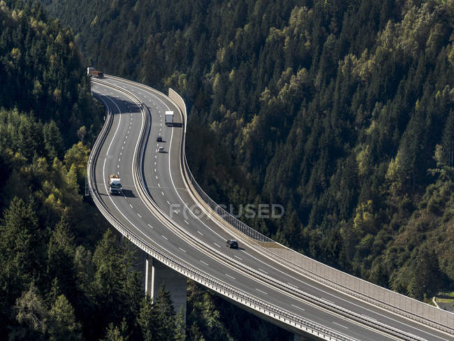 Austria, Salzburg State, Tauern Autobahn surrounded by trees — Stock Photo