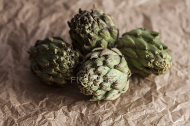 Fresh green artichokes — Stock Photo