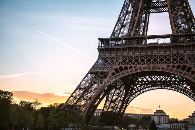 Paris, France. Eiffel Tower at sunset view — Stock Photo