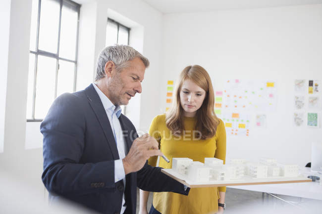 Architects discussing project — Stock Photo