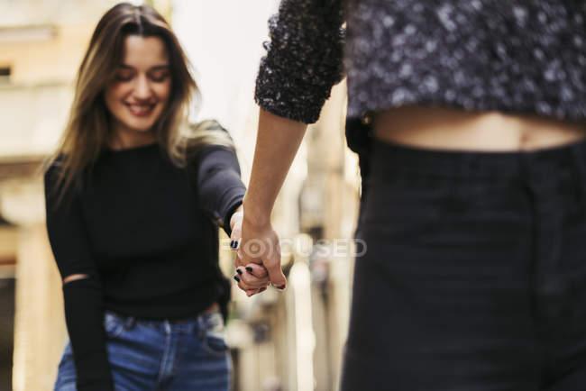Dois melhores amigos de mãos dadas — Fotografia de Stock