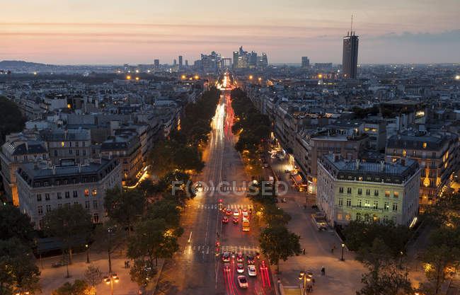 France, Paris, Champs-Elysees at sunset — Stock Photo
