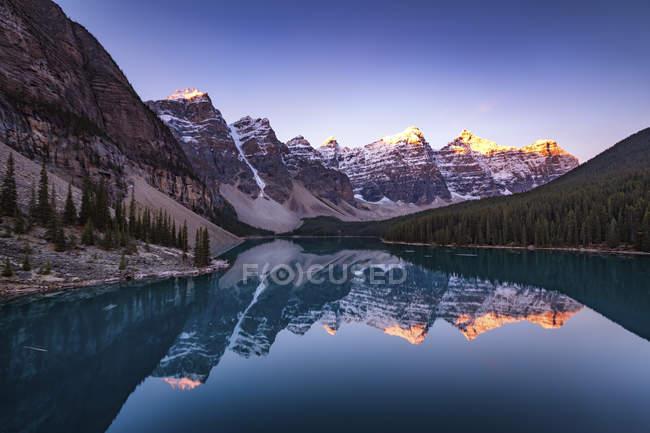 Canada, Alberta, glaciale, Moraine Lake, Parco nazionale di Banff — Foto stock