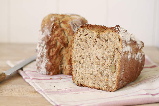 Halves of brown bread — Stock Photo
