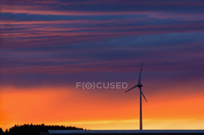 Scenic view of Wind wheel and evening sky — Stock Photo