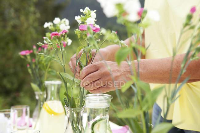 Decorazioni Da Tavolo Per Compleanno : Tavolo da giardino decorazione donna matura per festa di