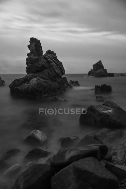 Spain, Costa Brava, Lloret de Mar, rock formations at Cala dels Frares — стокове фото