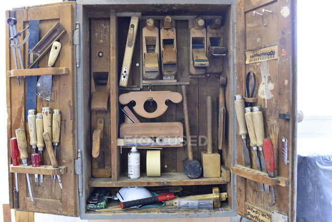 Tool cabinet in a carpentry during daytime — Stock Photo