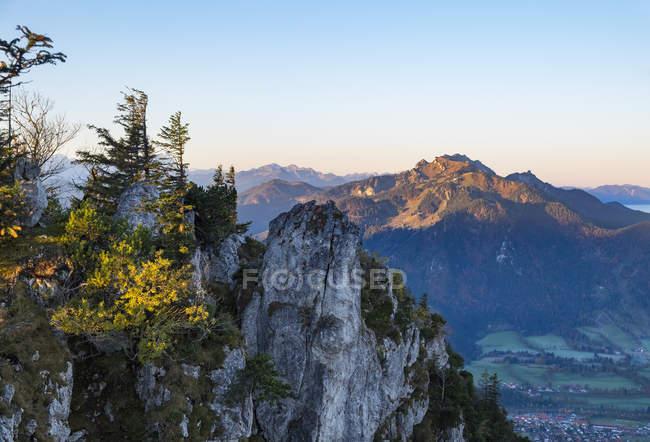 Allemagne, Bavière, Haute Bavière, Isarwinkel, Lenggries, vue montagne Geierstein, Brauneck derrière — Photo de stock