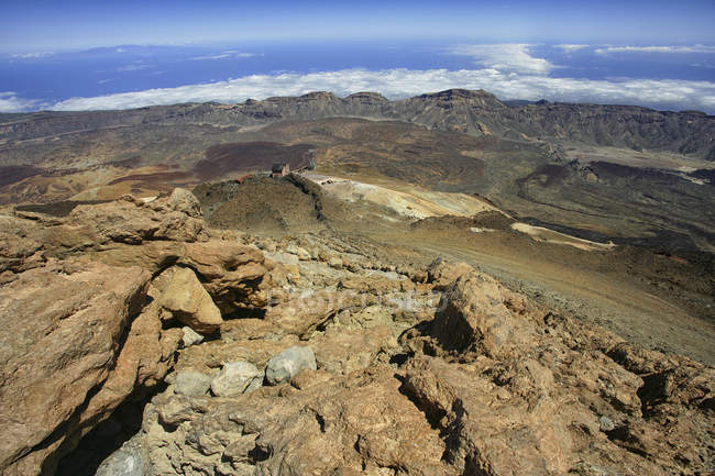 View of the Las Caadas caldera from the summit of Mount Teide in volcanic Teide National Park (World Heritage Site), Tenerife, Canary Islands, Spain — Stock Photo