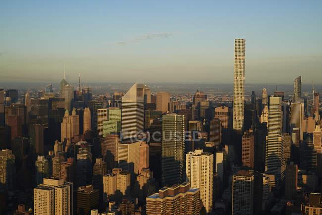США, Нью-Йорк штату Нью-Йорк, ділового району на ранок — стокове фото