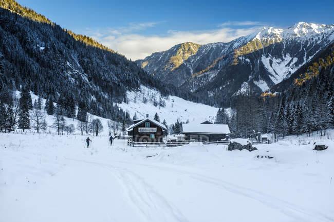 Austria, Salzburg State, Kleinarl, Liebeseck, ski area with hill son background — Stock Photo