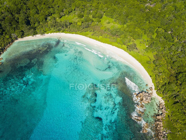 Seychelles, La Digue, Vista da praia de Anse Cocos, vista aérea — Fotografia de Stock