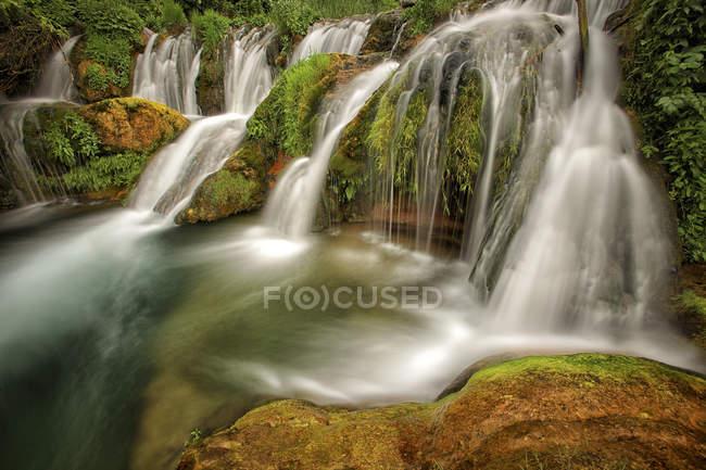 Испания, Таррагона, Пиде Бек, Паррисаль, Водопад — стоковое фото