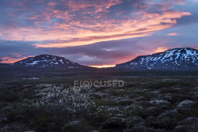 Islanda, Golden Circle National Park al sole di mezzanotte — Foto stock