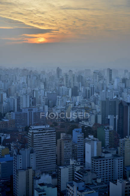 Brazil, Sao Paulo, City district Republica, cityview at sunset — Stock Photo