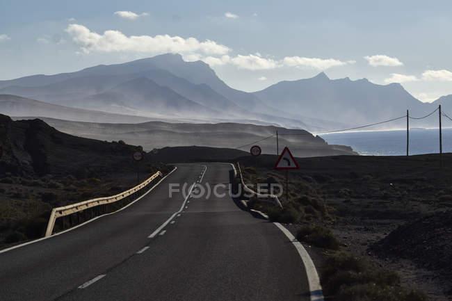 Іспанія, Канарські острови, Фуертевентура ла Pared, узбережжя дорога — стокове фото