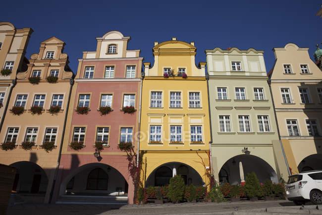 Poland, Lower Silesia, Jelenia Gora, Old town, tenement houses with gables — Stock Photo