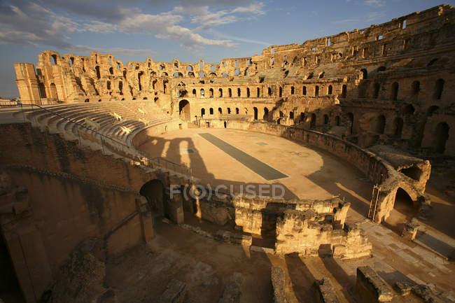 Tunisia, ruins of ancient Colosseum in El Djem — Stock Photo