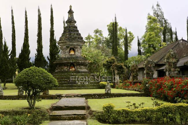 Indonésie, Bali, lac Bratan, temple Pura Ulun Danu — Photo de stock