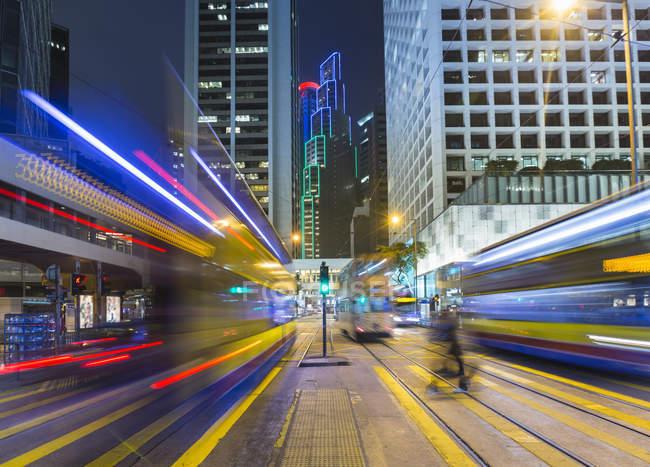 Китай, Центральный Гонконг, Легкие тропы трамвая — стоковое фото
