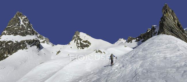 Італія, Grand пройти, МОН Шар-пей Fourchon, гірськолижників походи в сніг крита гори — стокове фото