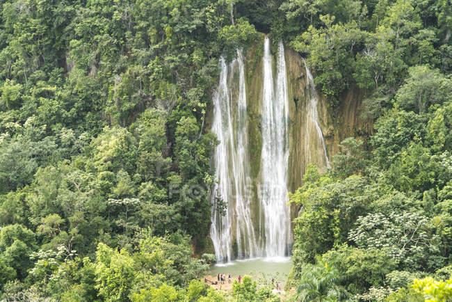 Водопад Эль Лимон Самана, Доминиканская Республика — стоковое фото
