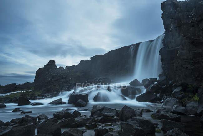 Islândia, Parque Nacional Thingvellir, cachoeira Oexarfoss — Fotografia de Stock