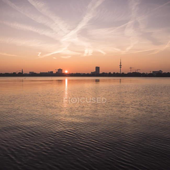 Germany, Hamburg, Outer Alster Lake at sunset — Stock Photo