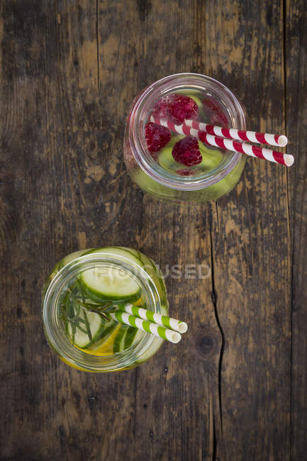 Two glasses of infused water with different tastes — Stock Photo